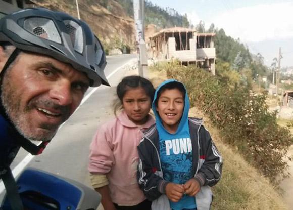 Andrea Devicenzi, atleta paralímpico realiza el tramo Lima - Machu Picchu en bicicleta