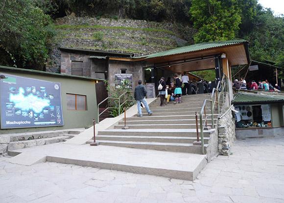 Acceso a Macchu Picchu