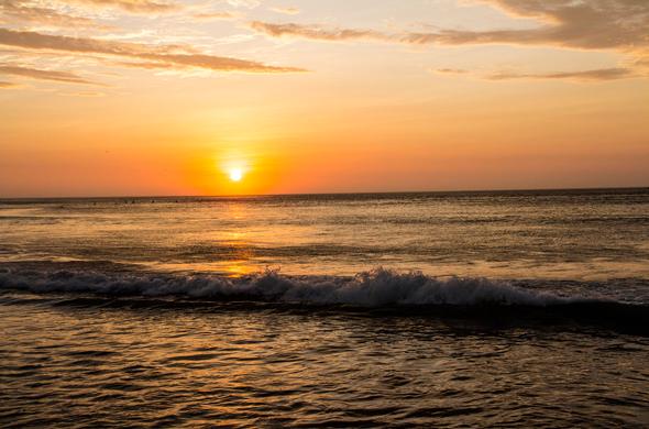 Vive de una experiencia inolvidable en Pacasmayo, el lugar donde las olas son diversión