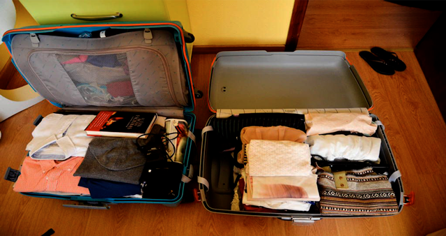 CPreparando maletas de viajes