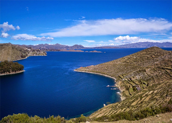 Vista de la parte superior de la Isla Taquile