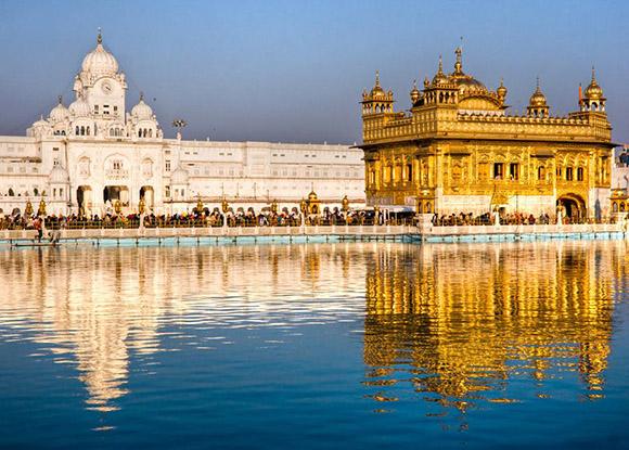 El Templo  Dorado, en Amristar en India.