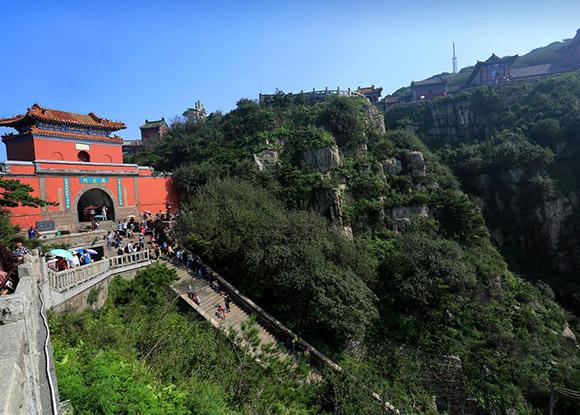 Monte  y Templo Tai en China.