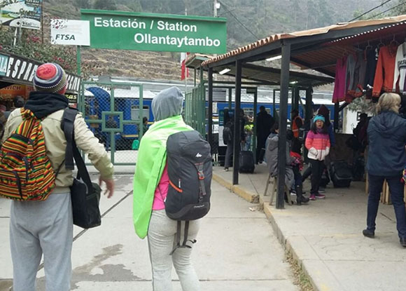 Turistas no tuvieron problemas en la ruta Cusco Machupicchu en el primer día de paralización en Cusco