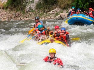 canotaje en el río vilcanota