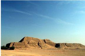 Piramide del Sol y la Luna - Moche